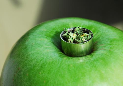 palenie marihuany jabłko 1